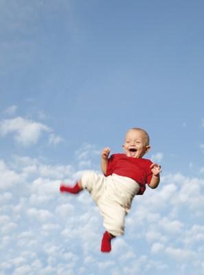 baby fliegt im himmel familienservice. Black Bedroom Furniture Sets. Home Design Ideas